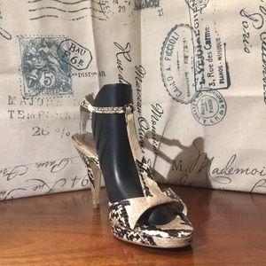 White house Black market Koreen sandals